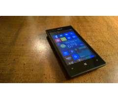 Nokia Lumia 520 con cargador
