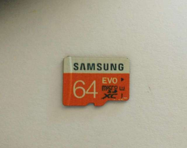 Tarjeta Sd de 64 Samsung Modelo Rapida