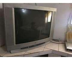 VENDO TELEVISOR DE 28 PULGDAS LG EN BUEN ESTADO LO CAMBIO POR TLF ANDROID